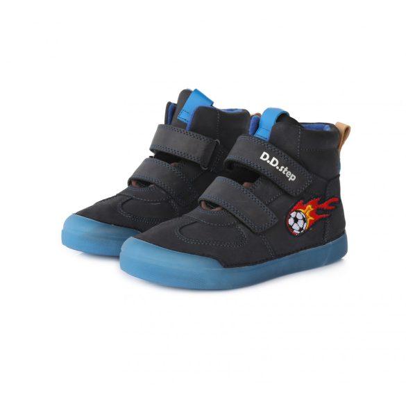 DD Step kisfiú téli bélelt cipő fluoreszkáló talppal #068-642